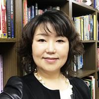 劉 賢経 ユ ヒョンギョン先生の写真